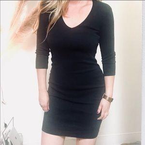JAMES PERSE Black V-Neck Bodycon LBD Sleeved Dress